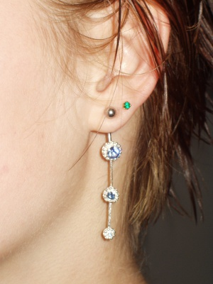 navel_curve_as_earring_400